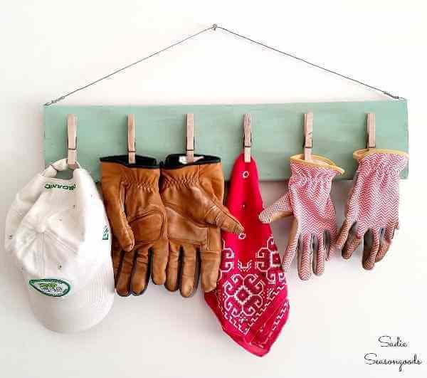 garden glove clipboard