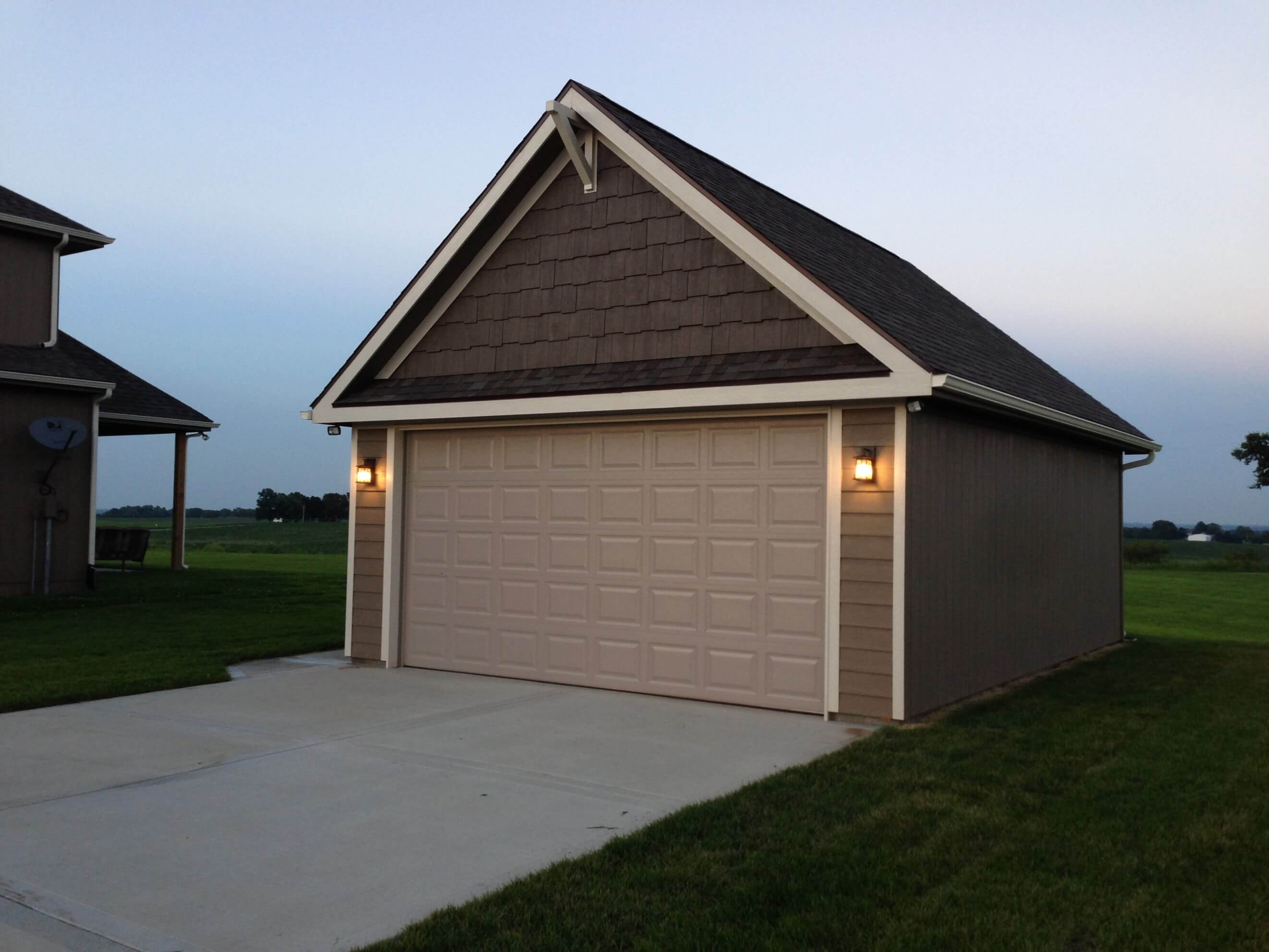 custom one car Garages