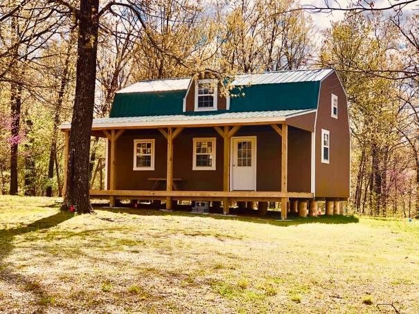 lofted-barn-with-window