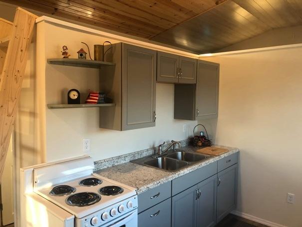 tiny-house-kitchen-3