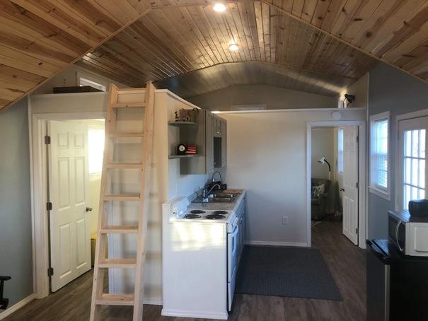 tiny-house-kitchen-4