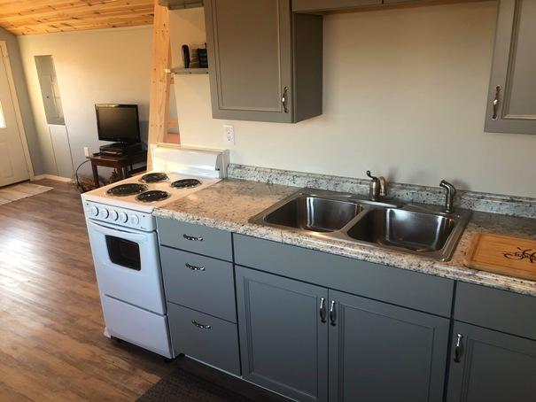 tiny-house-kitchen-6